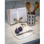 16SS18Natural White Marble Heart Chopping Board