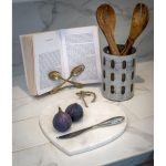 16SS19Large Heart White Marble Chopping Board